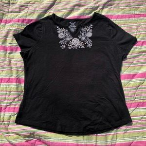 Black & White Flower Embroidered Faded Glory Top